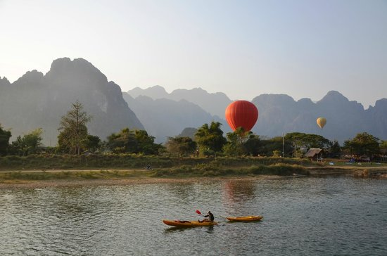 Ban Sabai Riverside Bungalow: Blick von der Anlage