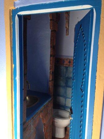 Hotel Dar Terrae : shower behind the door