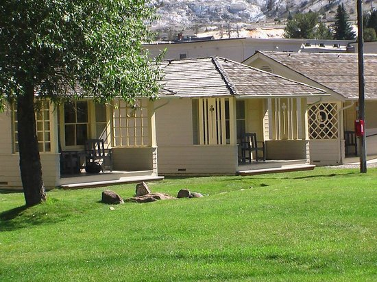 Mammoth Hot Springs Hotel & Cabins: Cabins