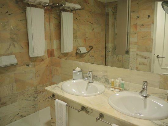 Iberostar Grand Hotel Mencey: Badezimmer