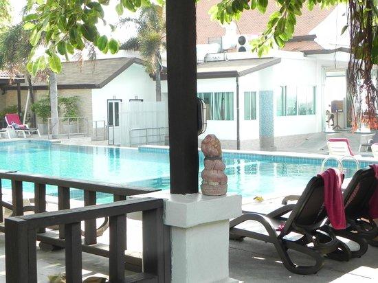 Chaweng Cove Beach Resort : Piscina
