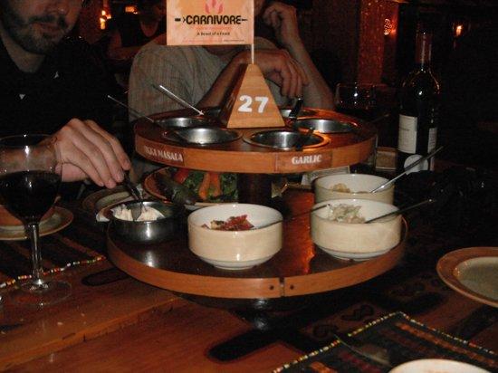 The Carnivore Restaurant: tabla de condimentos