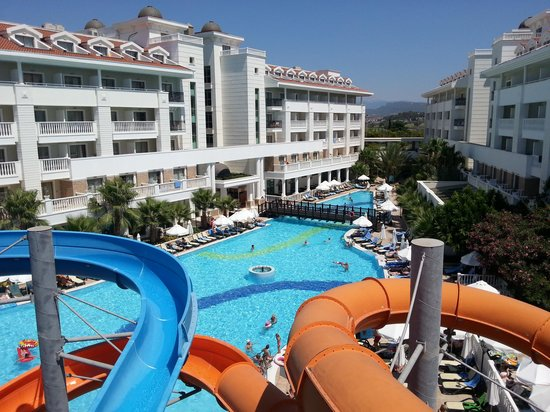 Alba Queen Hotel: view from the slides at the pool