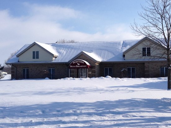 Scottish Bed & Breakfast: Snow Covered Day in Bremen, IN