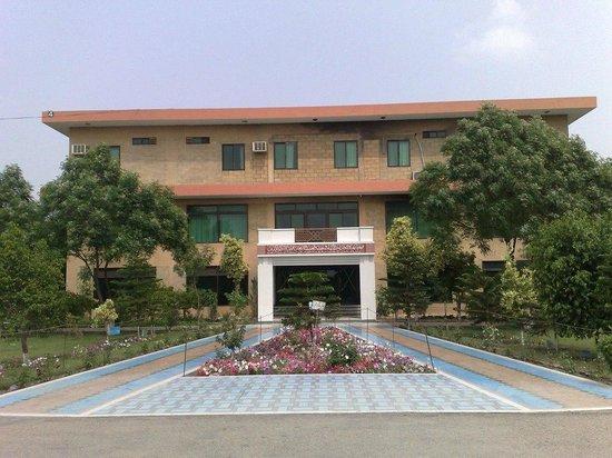 Tando Allahyar, Pakistan: Rashidabad canteen