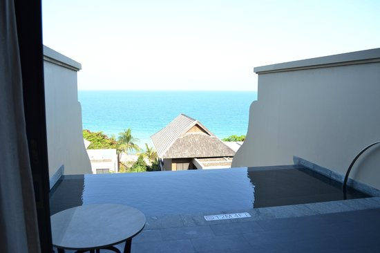 Vana Belle, A Luxury Collection Resort, Koh Samui: View from ocean view pool suite