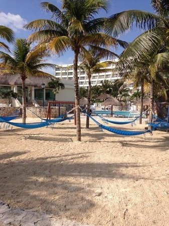Grand Park Royal Cancun Caribe: hammocks