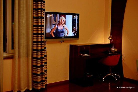 Soho Boutique Hotel: TV