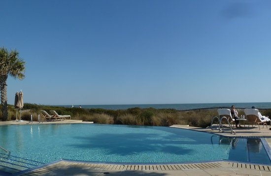 The Sanctuary Hotel at Kiawah Island Golf Resort: pool with a view