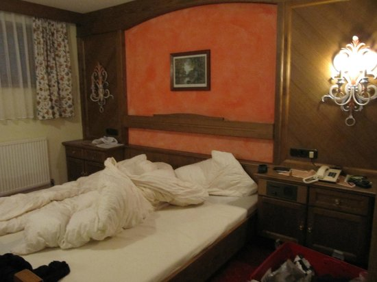 Hotel Garni Montana: Bed in the apartment