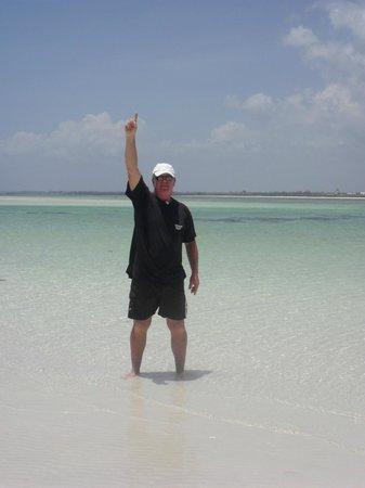 Jacaranda Beach Resort: Il mare difronte il Jacaranda