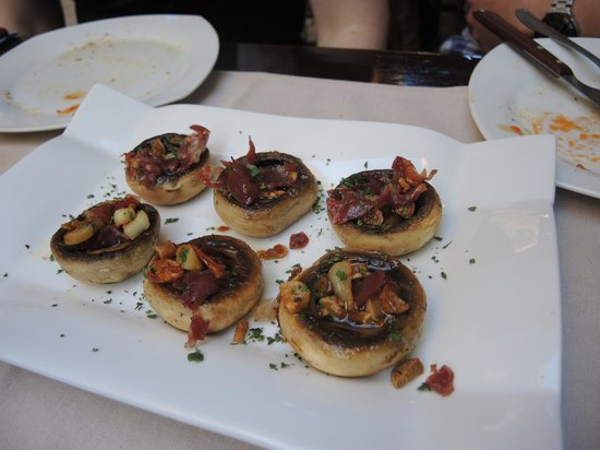 Tasca la Monteria : Lecker gefüllte Champignons mit Serrano-Schinken