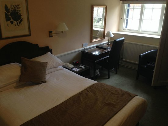 Crown Wetheral Hotel: comfortable room