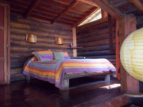 Cabins El Sol: Large bed