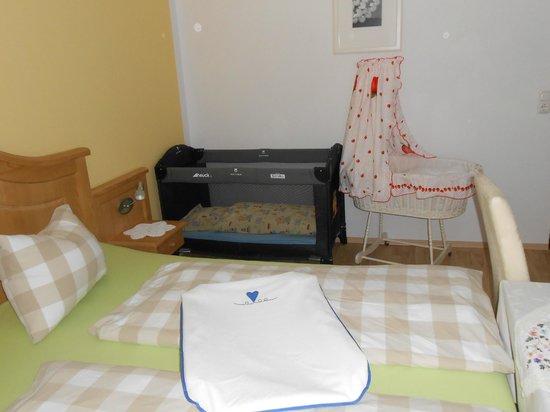 Stubenwagen Gitterbett : Doppelzimmer gitterbett stubenwagen optional verfügbar