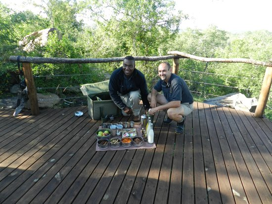 Lion Sands River Lodge: Our Ranger Ferdie and Tracker Rector with morning coffee