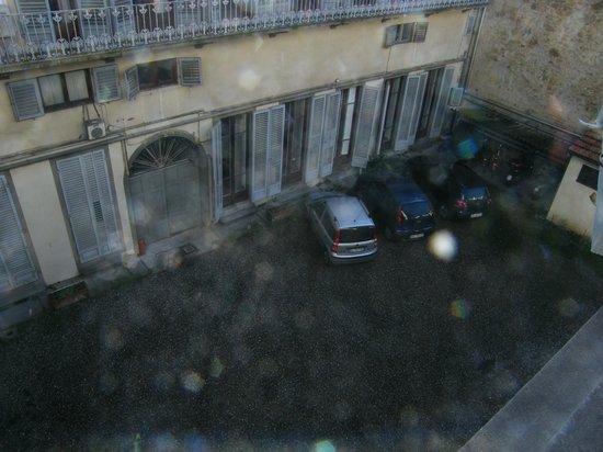 De Rose Palace Hotel: Vista parcheggio dalla camera