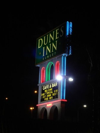 Dunes Inn - Sunset: Dunes Inn sign