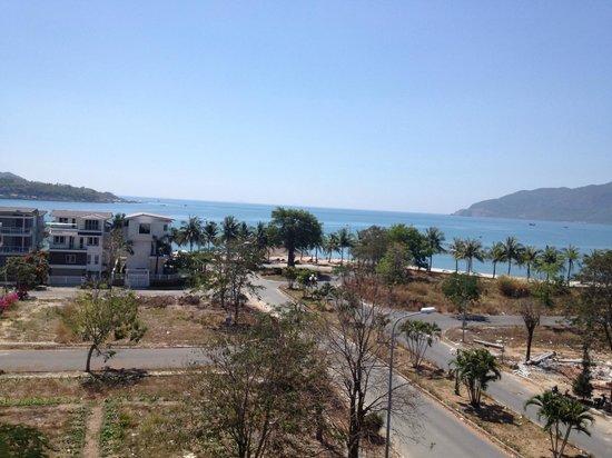 Paragon Hotel : Вид из отеля на пляж