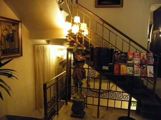 De Rose Palace Hotel: Hall hotel lato ascensore