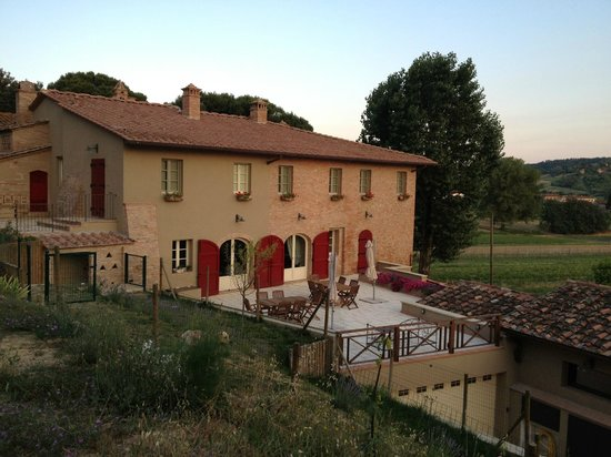 Fattoria di corazzano san miniato italien ranch for Piani di fattoria ranch