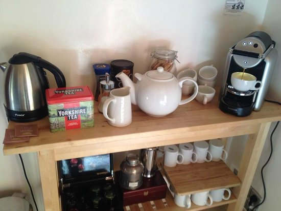 More Mountain - Chalet Robin : Yorkshire tea and fresh Nespresso!