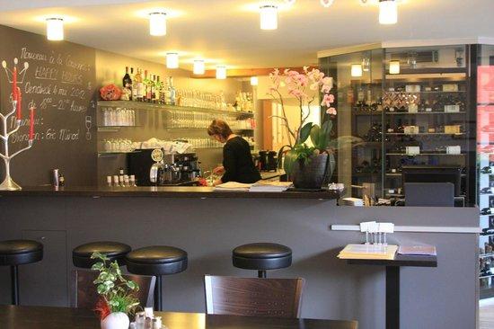 Auberge Communale de la Couronne: bar dell'albergo
