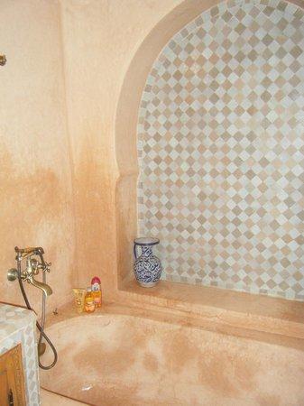 Riad RabahSadia : Salle de bains