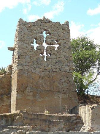 Croix du languedoc photo de le jardin de saint adrien servian tripadvisor - Les jardins de saint adrien ...