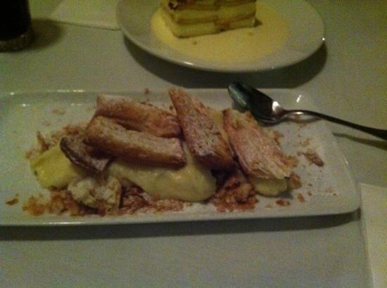 Neve Zedek - A place for meat: Creme patissiere avec brisures de pate feuilletee!Une tuerie!