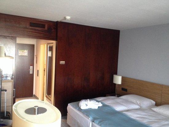 Maritim Hotel Darmstadt : Twin room
