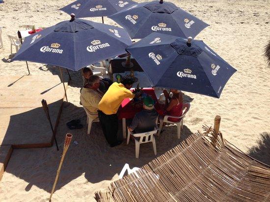 Breakers Restaurant and Beach Bar: The beach