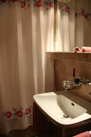 Hotel Sonne : Dusche/WC
