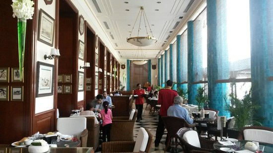 The Imperial Hotel: Galerie restaurant