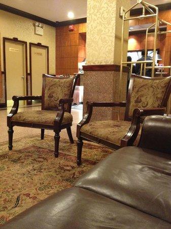 Hotel Newton: Hotel lobby