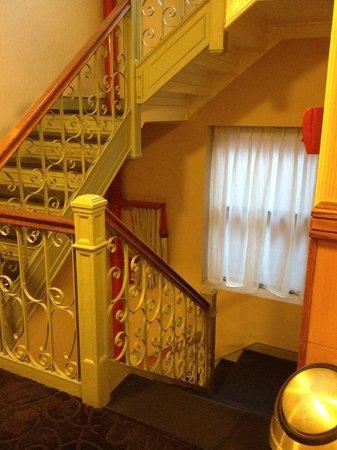 Hotel Newton: Stairs