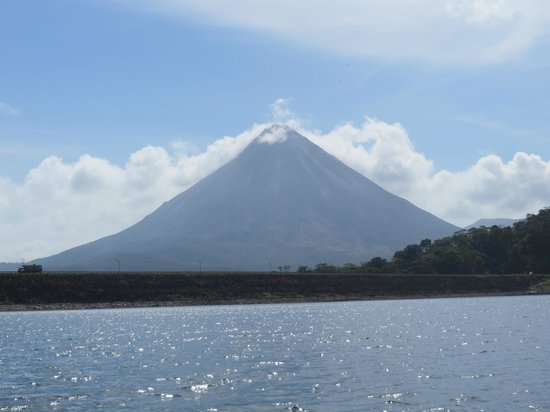 Lake Arenal: Spectacular View of Arenal