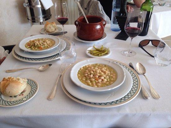 Hotel D0 Alesanco : Pochas con verduras