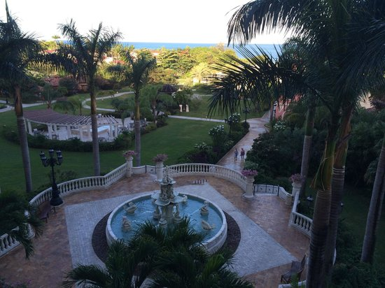 Sandals Grande Antigua Resort & Spa : The view from our room.