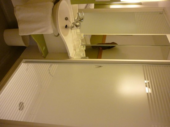 Hotel ibis budget London Whitechapel - Brick Lane : coin salle de bain