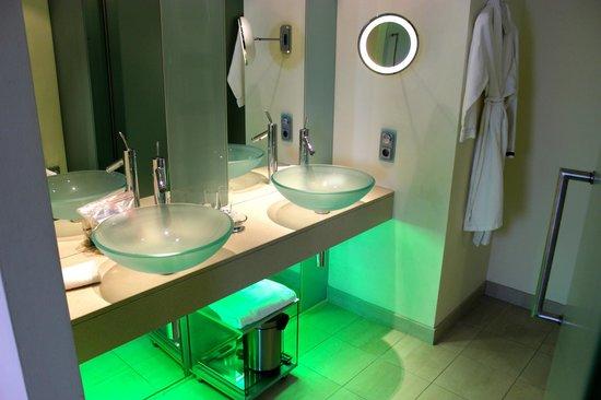 Le Meridien Vienna: bathroom