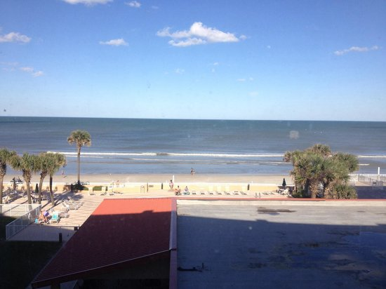 Holiday Inn Hotel & Suites Daytona Beach : The view