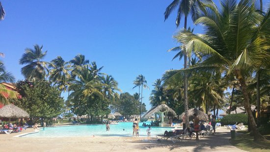 Caribe Club Princess Beach Resort & Spa : Poolbar und Hauptpool