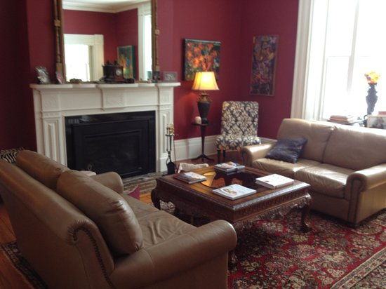 Historic Lyons House: The Living Room