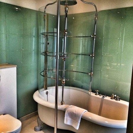 The Cumberland : Roll Top Bath