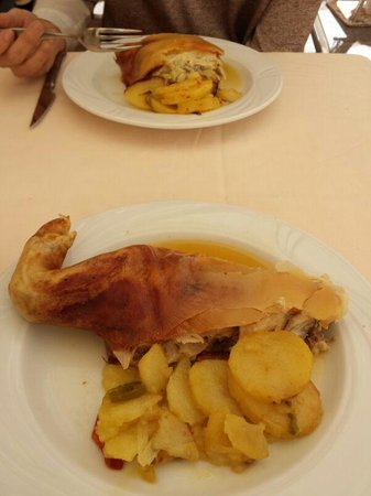Restaurante Narizotas: cochinillo de Segovia