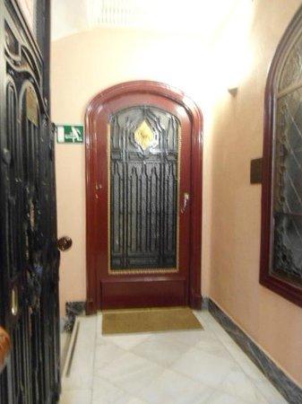 Hostal Santillan: Entrada para os quartos