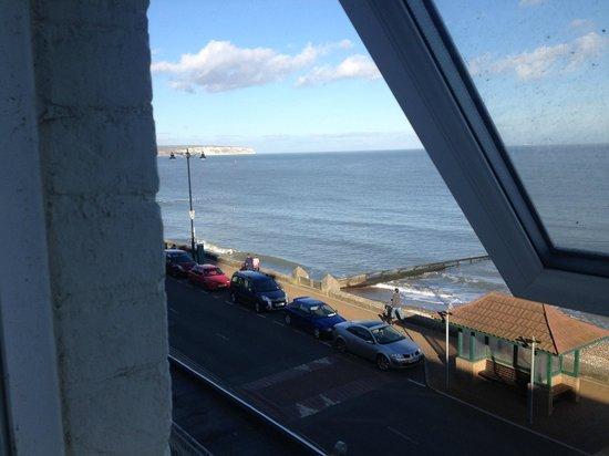 Shanklin Beach Hotel : Fully opening window on 2nd floor!