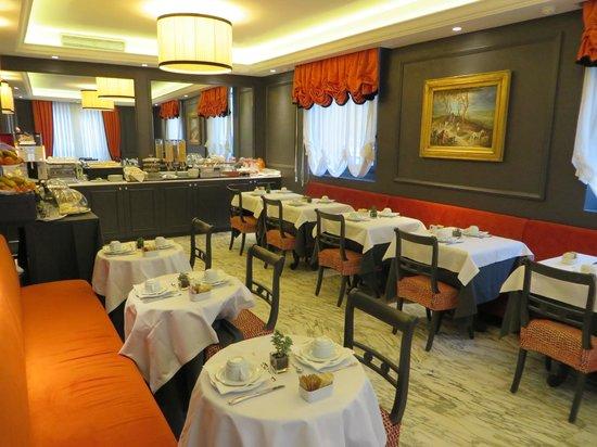 Rapallo Hotel: Comedor
