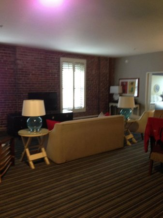 Argonaut Hotel, A Noble House Hotel: Living Room of suite 411